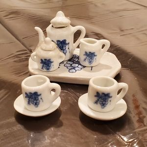 Miniature 8 pc Porcelain Tea Set 🍵
